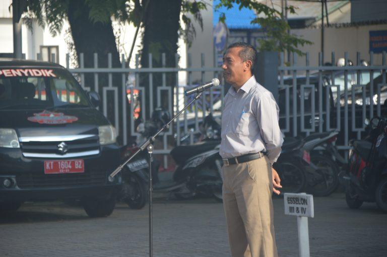 Apel Pagi Kasatpol PP Mengingatkan Anggota untuk mengamankan seluruh rangkaian hari kemerdekaan