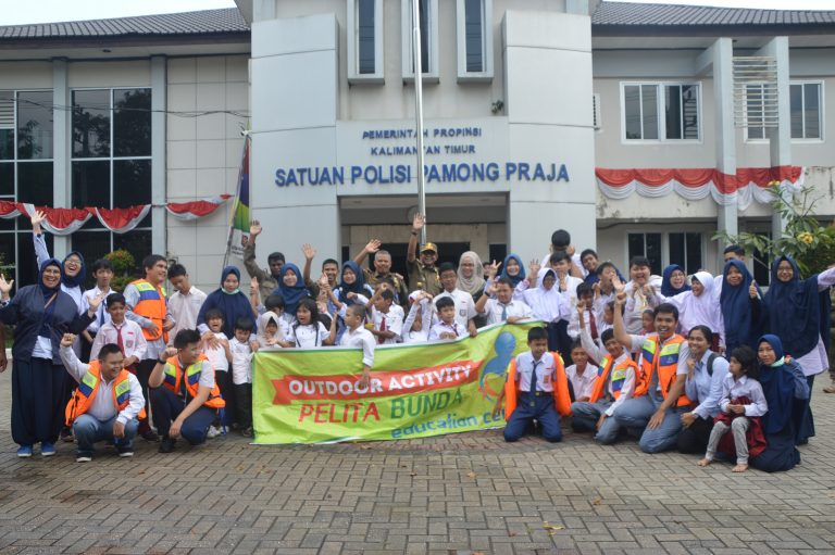 Outdoor activity pelita bunda education center Samarinda di Satpol PP Prov.Kaltim