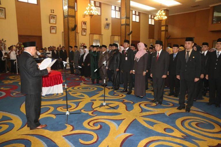 Gubernur Melantik Kepala Bidang Trantibumas Satpol PP Prov Kaltim